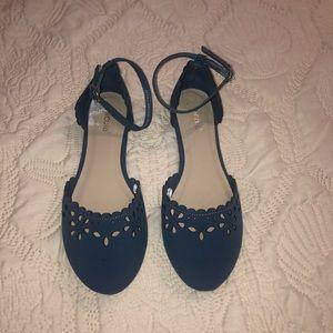 Floral design sandals